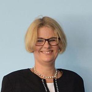 Dr. Beate Sibylle Pfeil